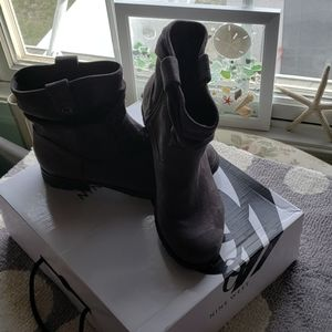 Nine West Stacey OL1 Ruched Low Cut Boot